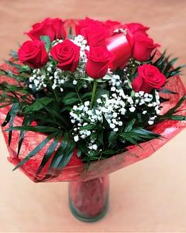 ramo doce rosas rojas