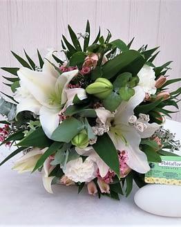 lilium blanco claveles blancos