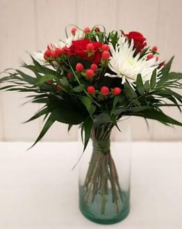 ramo con rosa roja anastasia blanca