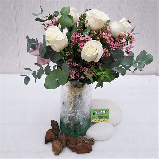 rosa blanca flor de cera